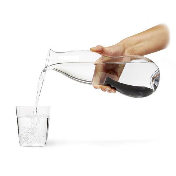 Eau carafe avec charbon actif Binchotan pour filtrer l'eau du robinet